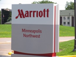 minneapolis marriott northwest opens